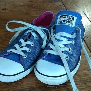 Converse size 3 youth shoes